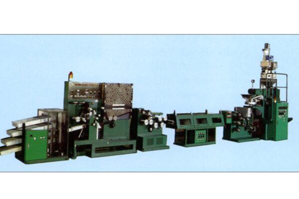 PE延伸テープ製造装置